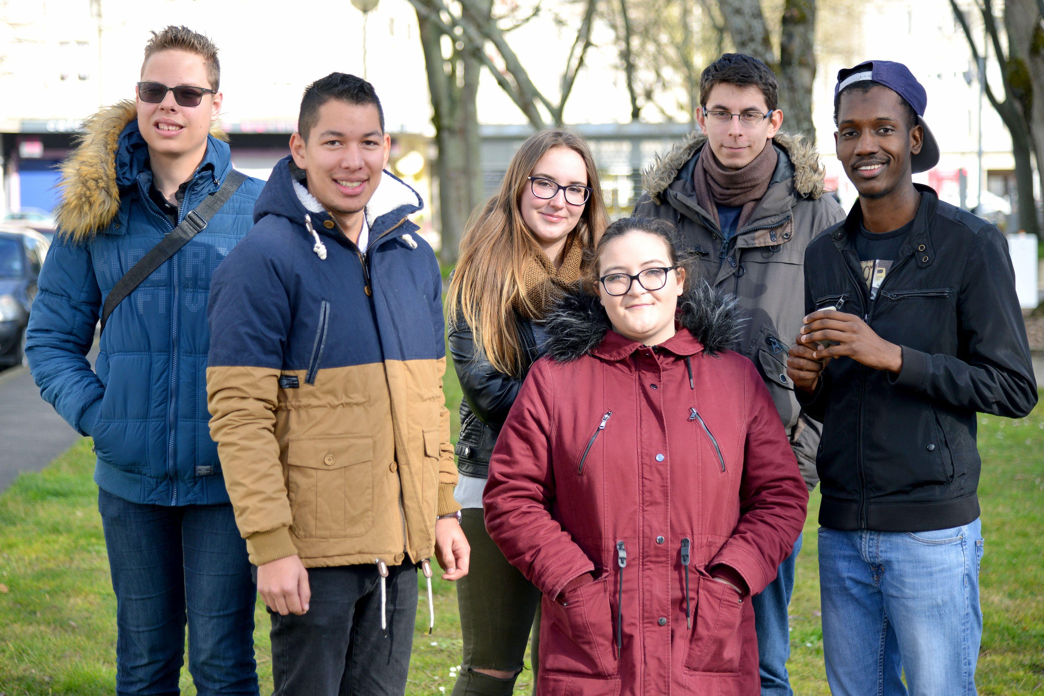 Des membres de Jeunes en Ville. Crédit : Martin Launay, Ville de Saint-Nazaire