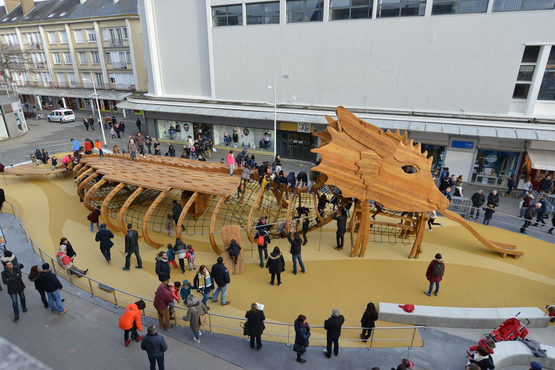 Le Dragon du centre-ville de Saint-Nazaire. Crédit : Ville de Saint-Nazaire